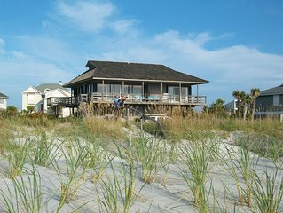 Sandy Paws Cozy Beach House and direct ocean front on Figure Eight Island