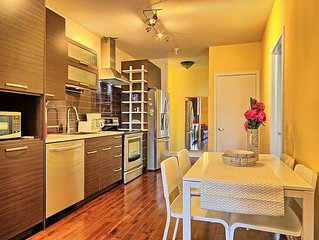2BD Comfy and spacious in DT! Metro & parking