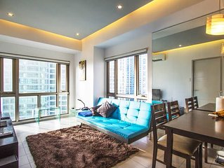Spacious 1BR BGC; w/ WiFi & Parking