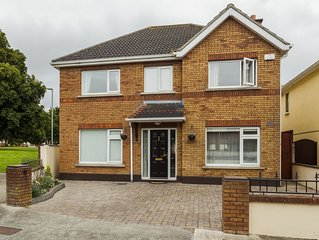 7 Bed Home - Central Dublin Location - 14 Guests
