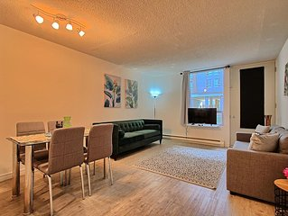 New 2 bedrooms flat in downtown,old port, parking