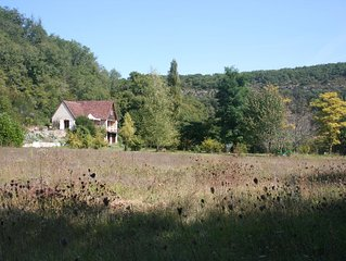 Combe Blanche, green hideaway near Saint-Cirq-Lapopie