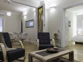 Lazar Deco Suite Basilica, WiFi, AC, 2BR, 2BA on 90 sqm at St.Stephen's Basilica