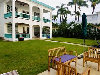 3 or 6 BR - on the Best Swimming Beach - AC & WiFi