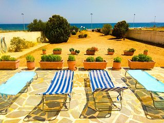 Seafront Villa Close To Athens Airport And Rafina Port
