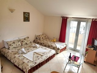 Budva Sea View Apartment, 150m to beach, no. 3