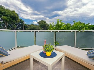 TERRACE APARTMENT SURROUNDED BY LEMON TREES