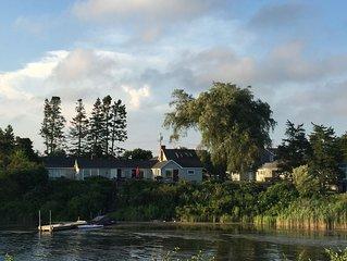 Family house on Ninigret Pond in Arnolda East