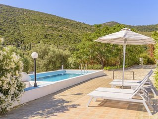 House with character, private swimming pool, spectacular view