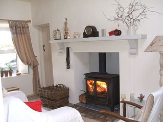 Traditional 5 Star self catering cottage with private fishing.