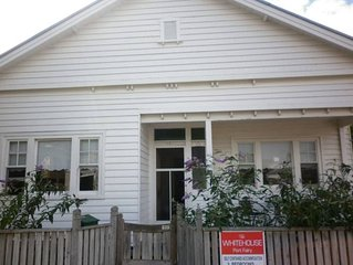 the whitehouse Port fairy In the heart of town,  pet friendly