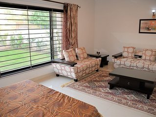Family Suite, 2 Bedroom with common bath, and a dinning room