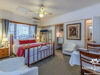 Serene Deluxe Room -  Boutique Lodge in the Heart of Mt Tamborine