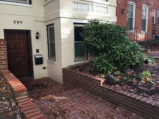 Spacious Flat in Foggy Bottom Just East of Georgetown with separate bedroom
