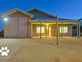 1 Kestrel Place - Great House with a Massive Garage