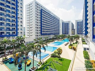 Furnished Condo At Sea Residences Across Mall Of Asia With Cable & Wi-Fi