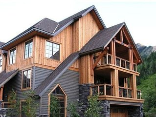 RidgeView Chalet - CLEANING FEE INCL