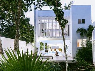 Majestic Private Villa Oasis