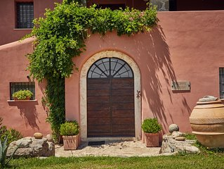 IL GRANAIO - Restored Ancient Farmhouse in the olive groves