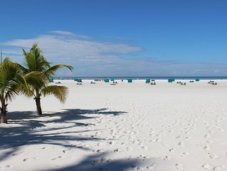 Fort Myers Beach – Vacation where the beach is at it widest!
