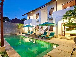 Private 4 Bedroom villa with POOL, Kuta