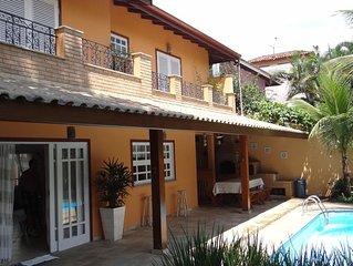 Casa de Alto Padrao com piscina,churrasqueira,forno a lenha a 50 mts da praia