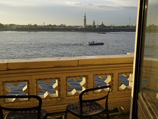 Live by Hermitage with breathtaking view on Neva river, balcony, sauna and pool