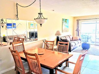 Close to Siesta Key Updated 2 Br Villa, New Kitchen, King beds, Screened Lanai