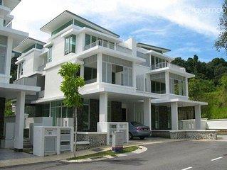 Luxurious modern 3-storey Villa