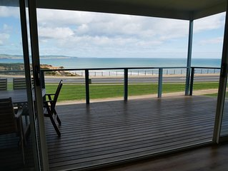 Amazing waterfront views 4 bedrooms 2 bathrooms FREE Internet