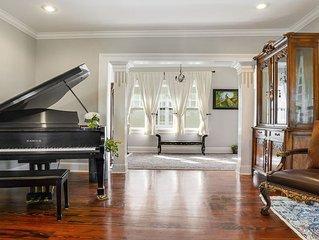 Luxury Home Sleeps 6 Near Streetcar & Riverbend STR License # 19-STR-17545