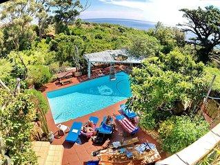 MAIN HOUSE (A)- CAMPSBAYGLEN - STUDIO A . Easy to beach, Big Pool, rustic nature