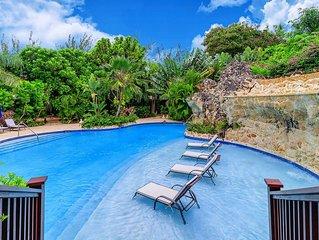Modern Villa, Short Walk to the Beach, Swimming Pool w/ Waterfalls, Lounge area,