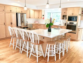 Open Concept Vacation Home Located Only 5 Minutes From National Park Beaches In