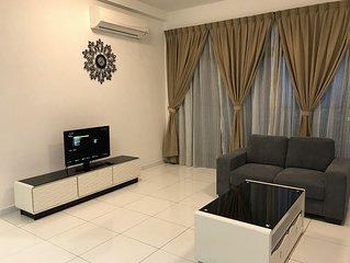 Alita Homes 6-8 Pax*Sky Loft AEON Bt Indah, LEGOLAND+WIFI+CABLE CHANNEL