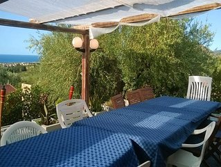 Villa Mimosa - 2 bedrooms villa with Sea View, jacuzzi, large Veranda and BBQ