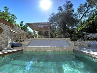 Leonora house with private pool close to Gaios