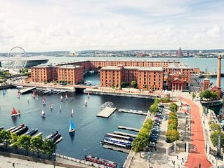2 mins from Echo Arena & Albert Dock-Free Parking!