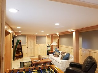 Authentic & Awesome ADK Cabin - Sleeps 11 Comfortably