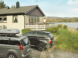 12 person holiday home in Kvenvaer
