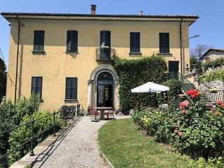 Golf Apartment in Ancient Villa Near Lake Como