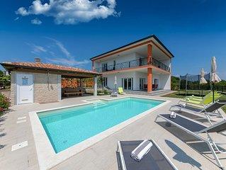Modern Villa in Buje with Private Swimming Pool