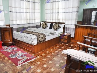 Green House 3 bedroom with balcony, double king-size bed