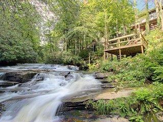 Tiger Creek Chalet #2 Waterfalls, Rushing Creek on property