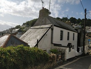 Jessamine - a luxury fully restored fisherman's cottage close to the harbour