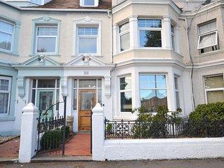 7 Oxford Road - Five Bedroom House, Sleeps 9