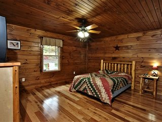 Gameroom Blue Ridge Mountain Views Hot Tub Luray PRICE INCLUDES UP TO  22 Guests