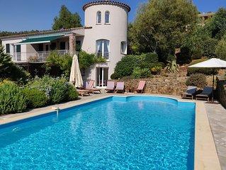 Villa grande piscine, vue Golfe de St Tropez a 500m plages