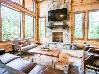 Brand New! Secluded! Pinot in the Pines; 3 Br; 3.5Bath; Loft; Bunk Room; Hot Tub