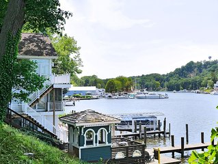 Saugatuck Riverfront Cottage, Amazing Views, Intown Location, Small Pets Allowed